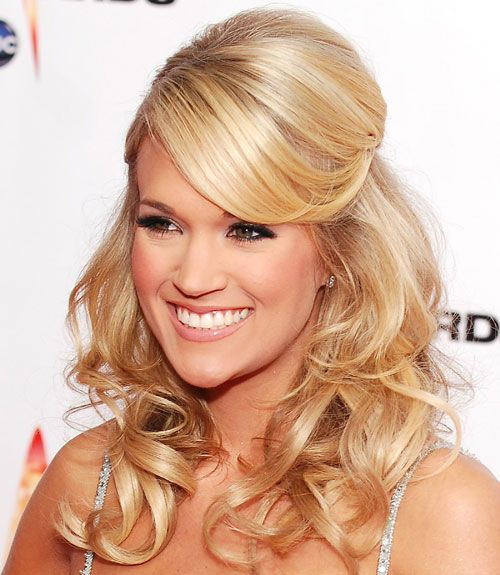 carrie underwood always has amazing hair styles great