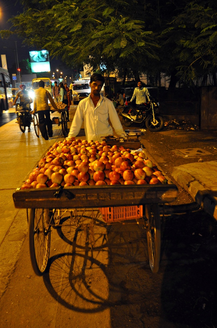 Street shopping in India (Pune)