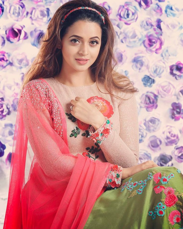 "6,389 Likes, 1 Comments - Bhavana (@bhavanaofficial) on Instagram: ""#Bhavana #bhavanamenon"""