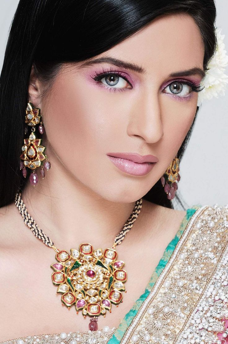 Ayyan ali bridal jeweller photo shoot design 2013 for women - Kundan Jewellers Aline For Indian Weddings