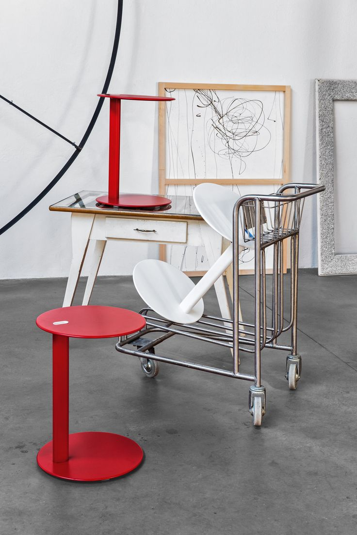 TENDER belongs to the CODE collection, the range of extra-ordinary, ironic and amazing accessories designed by young, talented Italian designers. Made of metal it is a multifunctional coffee table with an ironic look: the perfect furnishing accessory for a modern bedroom or a young living area. #calligaris #toronto #code