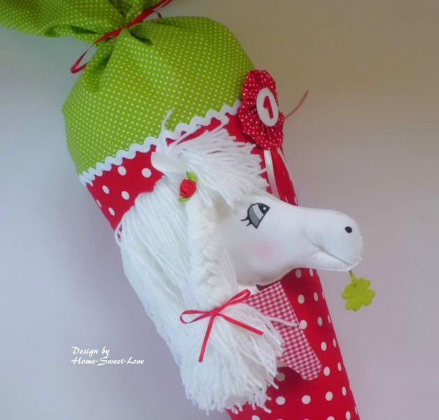 **Schultüte Pony Paula** ♥ Tütenkorpus ca.70cm + ca.30cm Stoffverschluss ♥ Stoff & Papprohling sind verklebt/ KEIN KISSEN ♥ 6 Buchstaben sind im Preis enthalten, jeder weitere Buchstabe kostet...