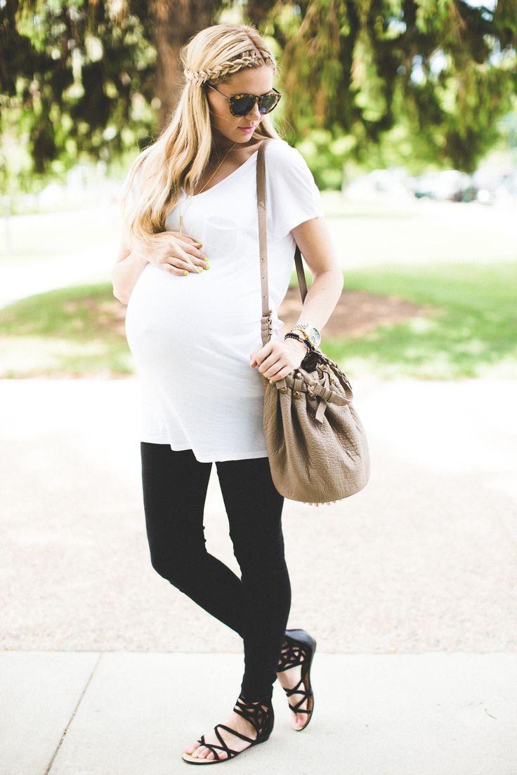 Maternity look.