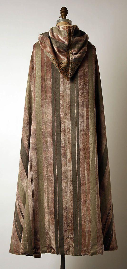 Evening cape Fortuny  (Italian, founded 1906)   Designer: Mariano Fortuny (Spanish, Granada 1871–1949 Venice) Date: early 1930s Culture: Italian Medium: silk.