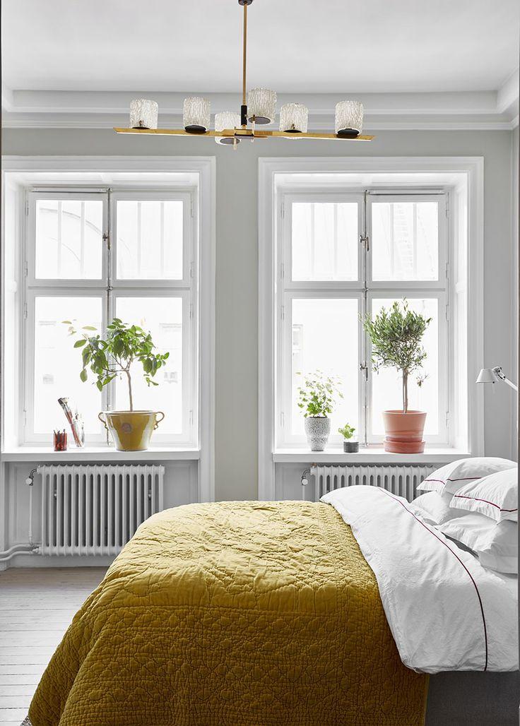 Susann Karlsson Nemirovskys lägenhet i Birkastan är en lugn oas inredd med känsla för kvalitet och med inspiration från bland annat Ryssland.
