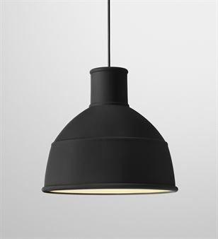Svart lampa till kök