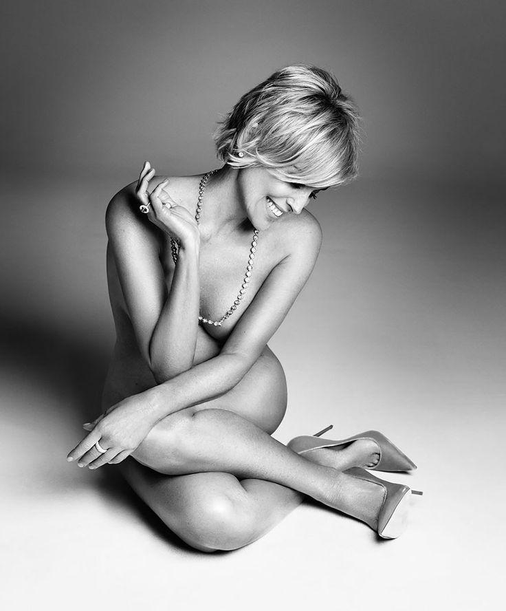 Sharon Stone nue dans une série de photos noir et blanc  2Tout2Rien