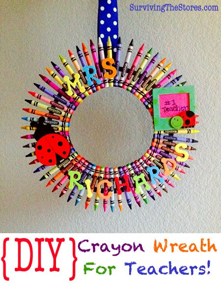 Super easy DIY crayon wreath for teachers or to hang on your door for when school starts!!
