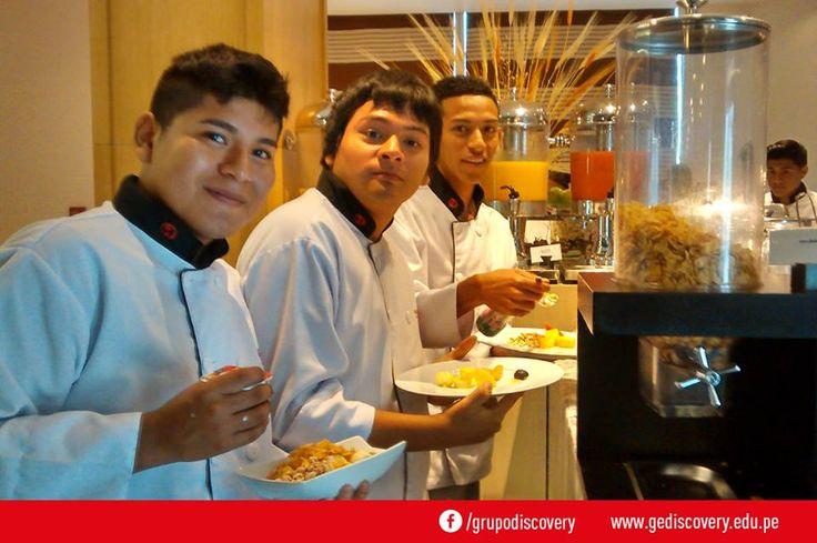 GE Discovery - Alumnos miden sus sabores y gustos de los platos hechos en the Westin Lima Hotel.