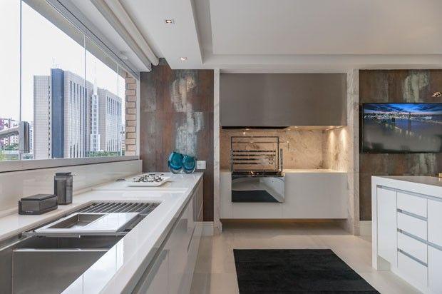 Rafaella Beckran abre seu apartamento em São Paulo
