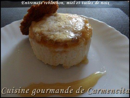Entremets Reblochon, miel et tuiles de noix http://www.carmen-cuisine.com/article-entremets-reblochon-miel-et-tuiles-de-noix-79454079.html