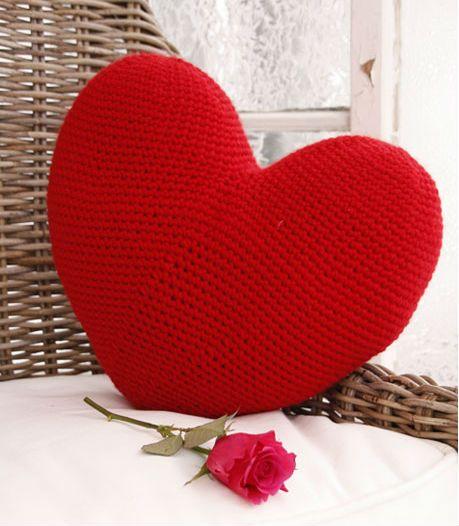 Tutorial come fare un cuscino a forma di cuore a uncinetto