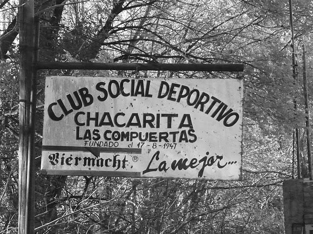 http://www.facebook.com/argentina.buenosaires    http://www.twitter.com/bairestuitea    Club Social Deportivo - Chacarita.