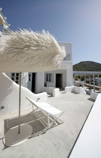 Blue Sand Hotel - Folegandros https://www.worldtrip-blog.com