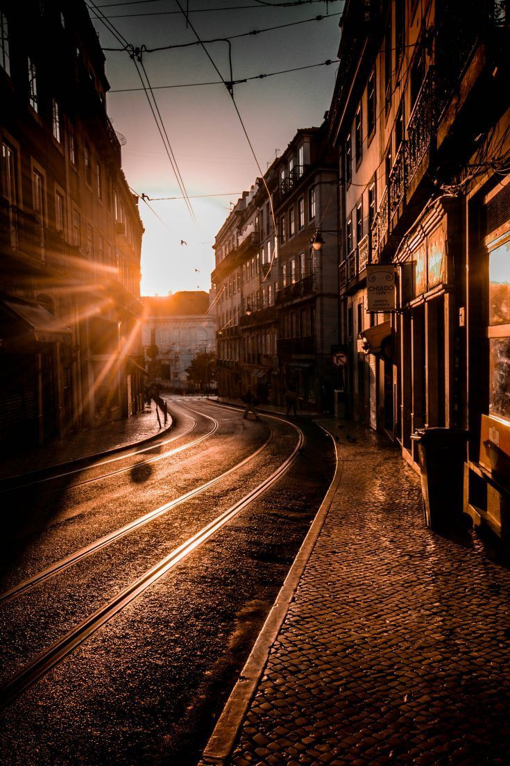 Top 10 Things To Do In Lisbon Portugal In 2020 Sunset City Sunset Pictures Sunset Photography