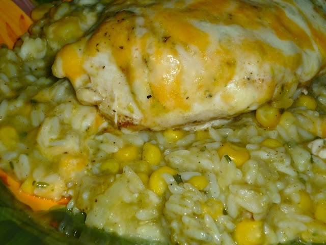 The Weekend Gourmet: Spicy One-Dish Goodness: That Green Sauce Spicy Chicken and Rice...Featuring HEB's Primo Pick That Green Sauce