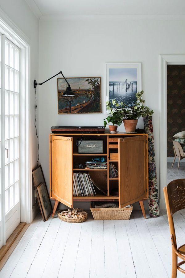 A lovely light-filled Swedish family home (via Bloglovin.com )
