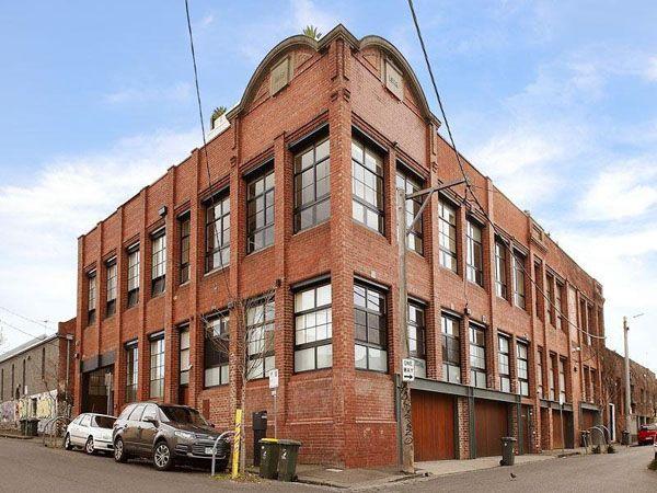 Tastefully designed warehouse conversion in Melbourne