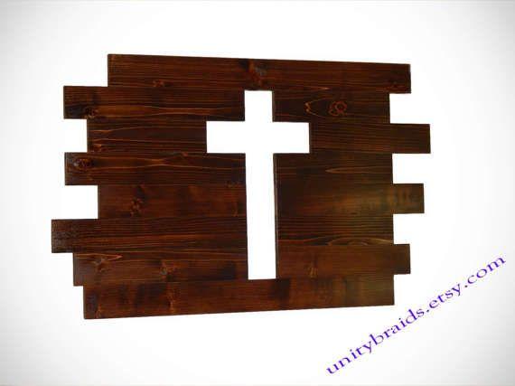 Signe rustique, panneau en bois, Croix en bois, grande enseigne de la planche, bois de grange signe, décoration rustique, panneau en bois de récupération, décor rustique, sur mesure  Une belle, fait main bois Croix planche unique avec une belle tache sombre. Cette croix rustique est un symbole de Jésus. La découpe en croix est le signe de bois de grange parfait pour votre décoration rustique. C'est un must pour n'importe quel Style de ferme du pays. Cet Art mural religieux est parfait pour…