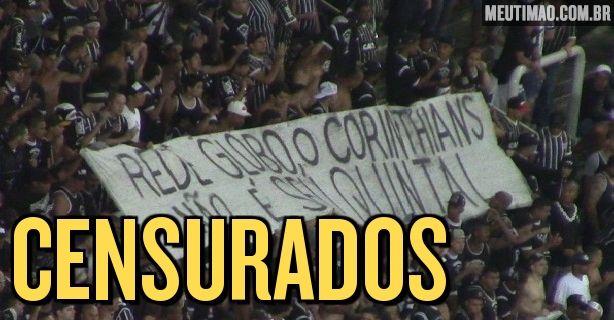 O intervalo do jogo entre Corinthians e Capivariano, nesta quinta-feira, ficou marcado por uma confusão entre os torcedores e a Polícia Militar. Um grupo de torcedores levou faixas com protestos.