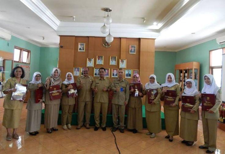 8 Guru dan Kepala SMAN 6 Kota Bogor Dapat Penghargaan Dari Jokowi