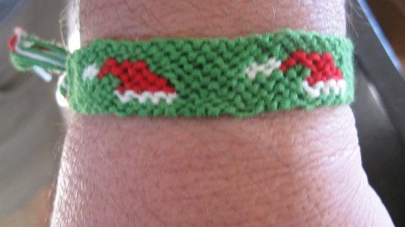 FREE SHIPPING Santa Hat Bracelet by SaxophoneChick on Etsy, $7.00