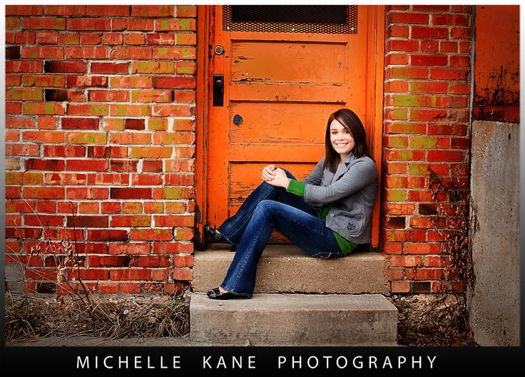 Michelle Kane Rocks with Seniors.  Love this whole thing: outfit, composition
