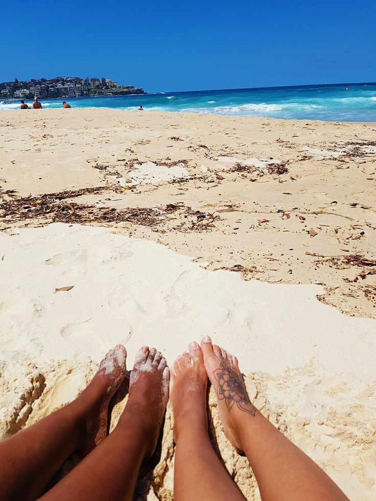 A sunny day with white sand in Bondi Beach ✌