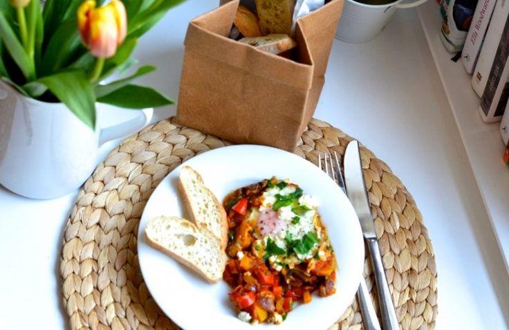 Unser Rezept heute im (C)Bookclub: Shakshuka, pikantes Katerfrühstück. Das nordafrikanische Gericht ist ganz leicht nachzukochen, wie erfahrt ihr im Blog!