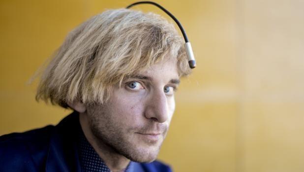 Neil Harbisson: «Me pondré en la cabeza un órgano para sentir el paso del tiempo»