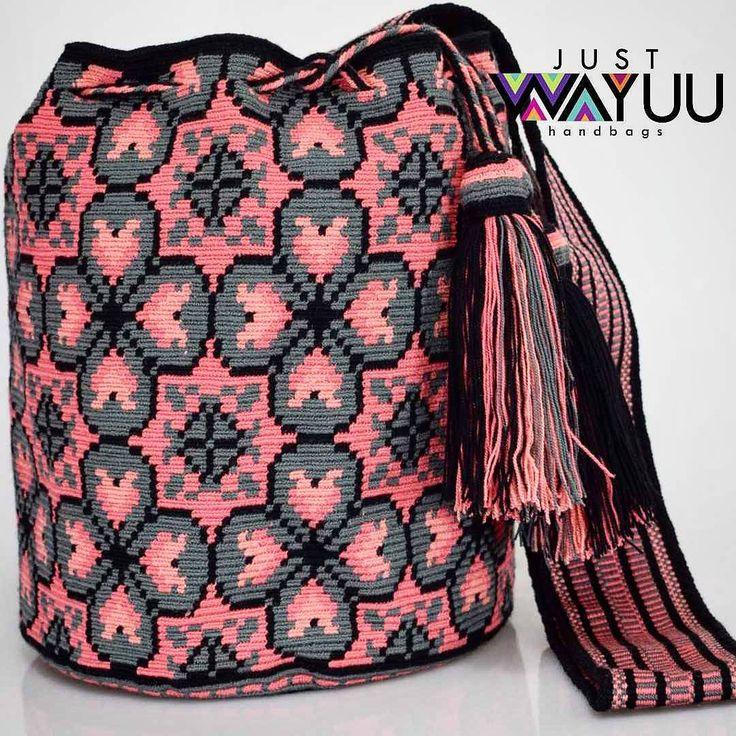 296 отметок «Нравится», 4 комментариев — Just Wayuu (@just.wayuu) в Instagram: «Handcrafted handbags made by indigenous wayuu in the north of Colombia. Worldwide shipping – envíos…»