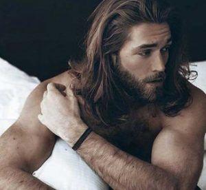 coiffures longues pour hommes visage rond