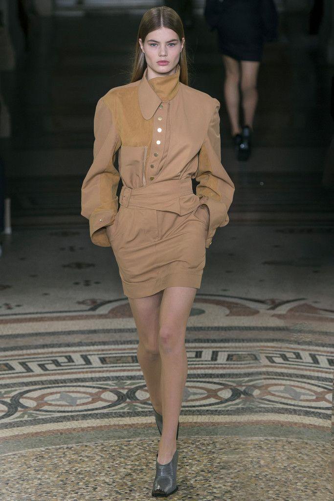 Vogue.com | Fall 2017 Stella McCartney