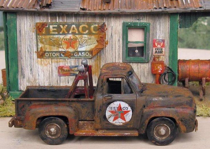 O Scale Model Train Building ~ A Texaco wrecker truck beside an old Texaco Gas Station.