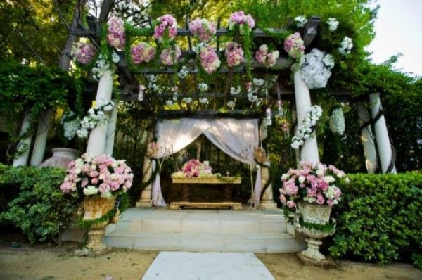 Pandora Vanderpump Todd's wedding ceremony - wedding altar details