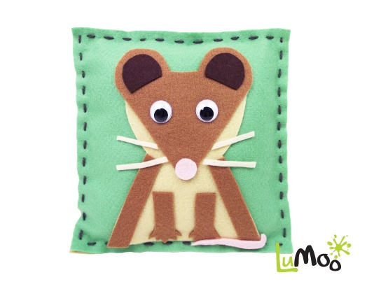 Sew Your Own Mouse Cushion from LuMoo.