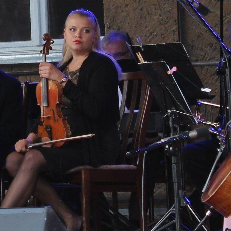 orkiestrasalonowa#orkiestra#bal#party#beautifulgirls#dresses#orchestra#dance#nicegirls#koncerty#concerts#artagency#strings#events#impresariat#nice#ensemble#gala#advertisement#elegance#artagency#singers#vocal#violin#band by orkiestra_salonowa