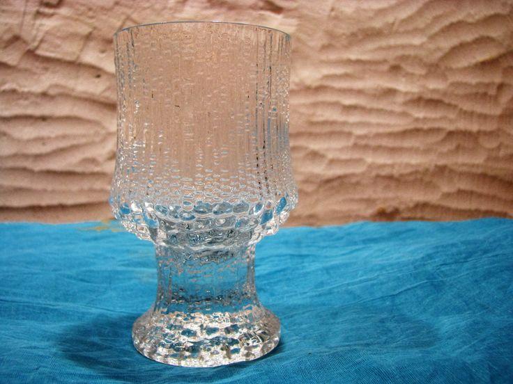 Iittala Ultima Thule Red Wine Glass – Design Tapio Wirkkala – Vintage 1960s Mid Century Scandinavian Home Décor Finland – Modernist Barware von everglaze auf Etsy