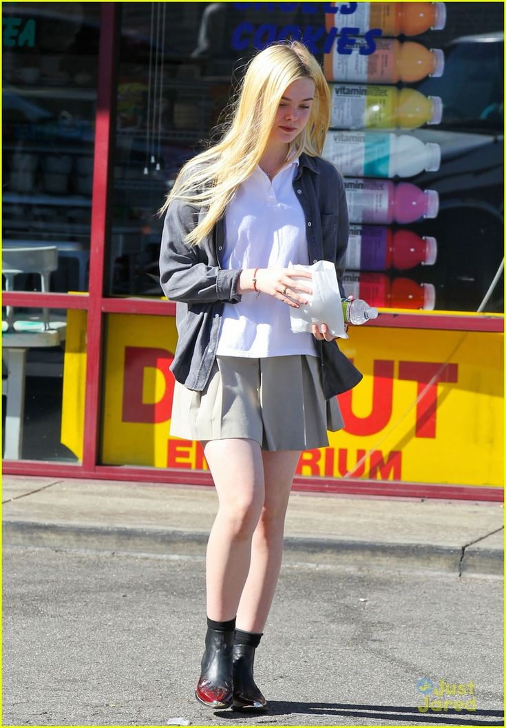 elle fanning sugar rush 10, Elle Fanning picks up a yummy, sugary treat on Tuesday afternoon (November 13) in North Hollywood, Calif.    The 14-year-old actress stopped by K's Donut Emporium…