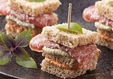 Mini Sanduiches de Tomate Seco e Pesto - Receita | Panco - Amor, carinho e dedicação