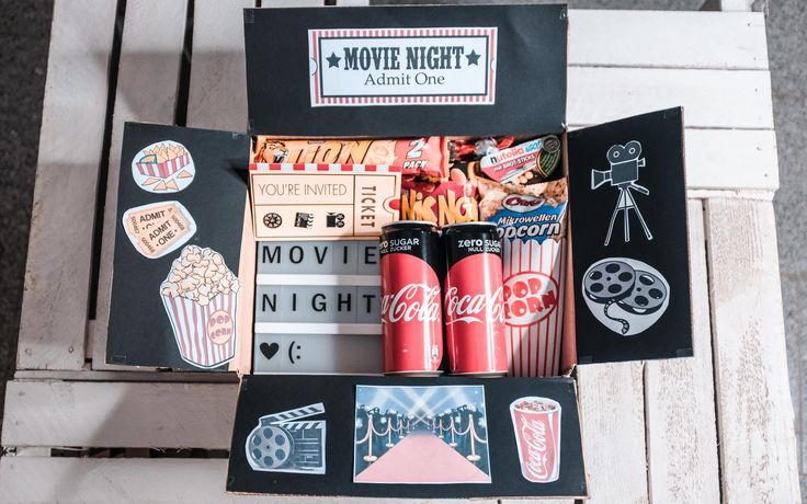 "Super simple, fast and creative DIY gift for the partner, parents or friends. The ""Movie Night"" Film Box invites you to the cozy Netflix & Chill evening or is the personal packaging for the cinema coupon for your birthday!"