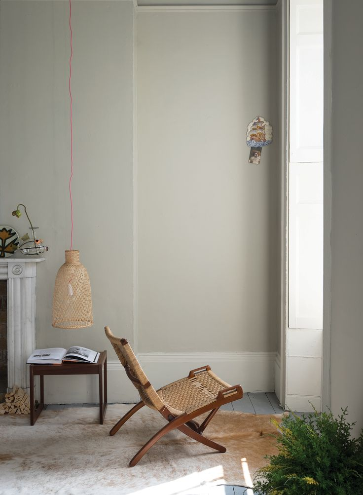 walls: Drop Cloth no. 283, woodwork: Shadow White no. 282, floor: Manor House Gray, no. 265, image: Farrow & Ball