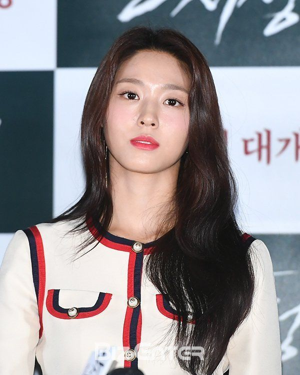 The Biggest Asian Idols Tumblr Blog Kpop Jpop Cpop Girlgroups Models Gravure Idols Ulzzangs Race Queens Every 10 M Seolhyun Korean Beauty Race Queen