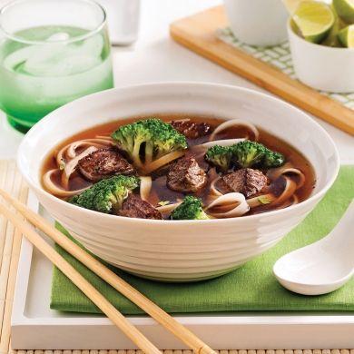 Soupe-repas au boeuf et nouilles - Soupers de semaine - Recettes 5-15 - Recettes express 5/15 - Pratico Pratique