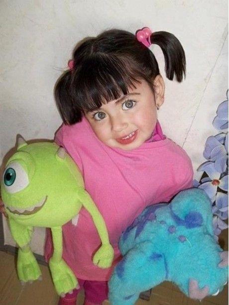 """La niña de """"Monstruos SA"""" en la vida real"""