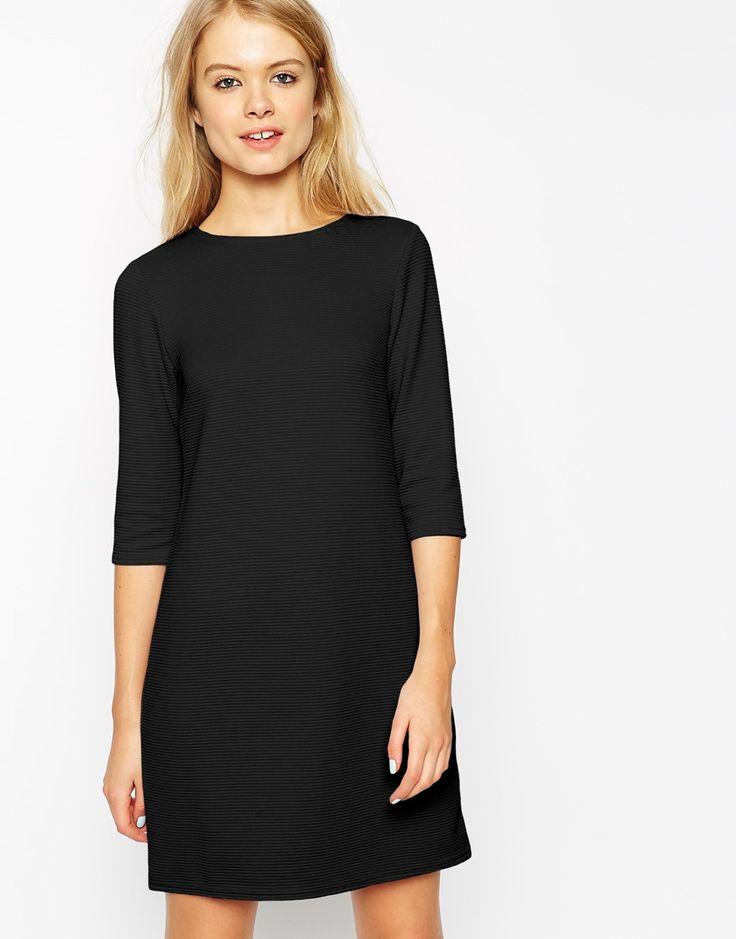 Vestito nero elegante vita