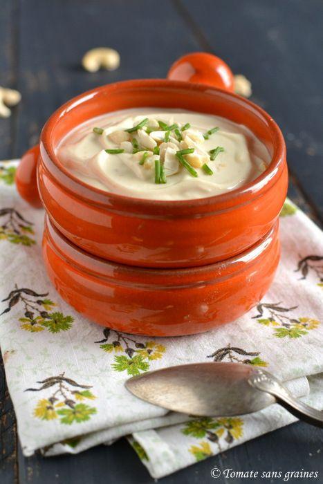 Mayonnaise végétale à la purée de noix de cajou : http://tomatesansgraines.blogspot.fr/2016/01/mayonnaise-vegetale-la-puree-de-noix-de.html