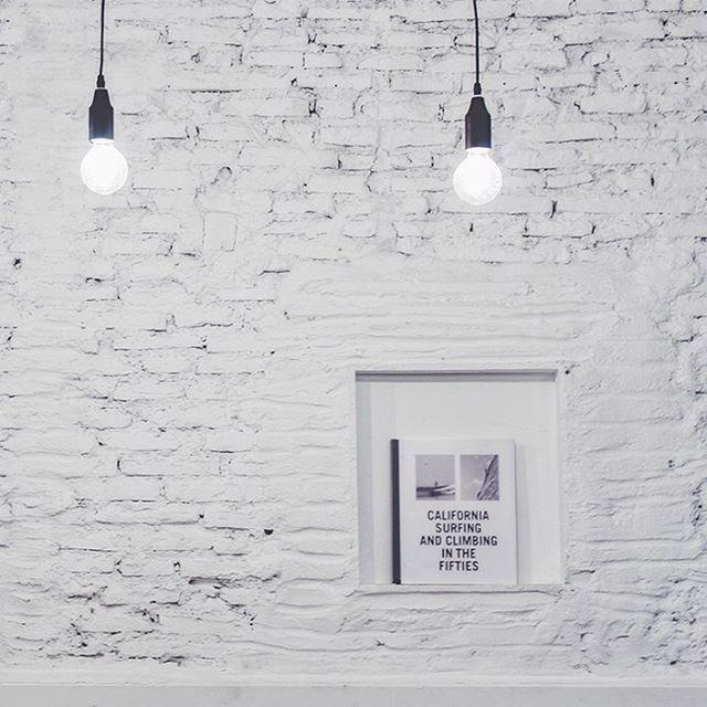 El poder de las cosas simples en brunchit  #malaga #decrea #brunchitorganic #design #lauradelfino #architecture #malaga #concept #healty #green #bio #licuadosmalaga #kintou #kintoulicuados credit pics: @decreavision