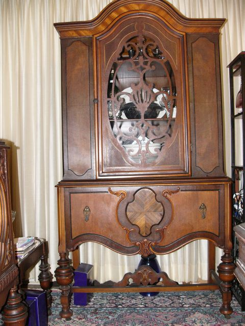 China Cabinet Home Decor Pinterest China Cabinets And Liquor