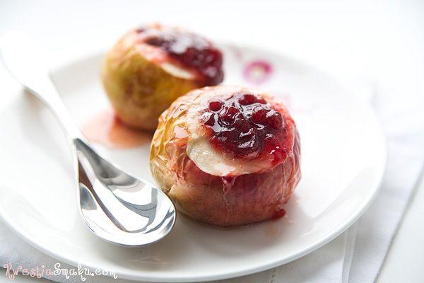 Jabłko zapiekane z twarożkiem i cynamonem